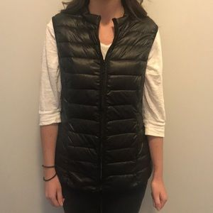 H&M black vest size S great condition